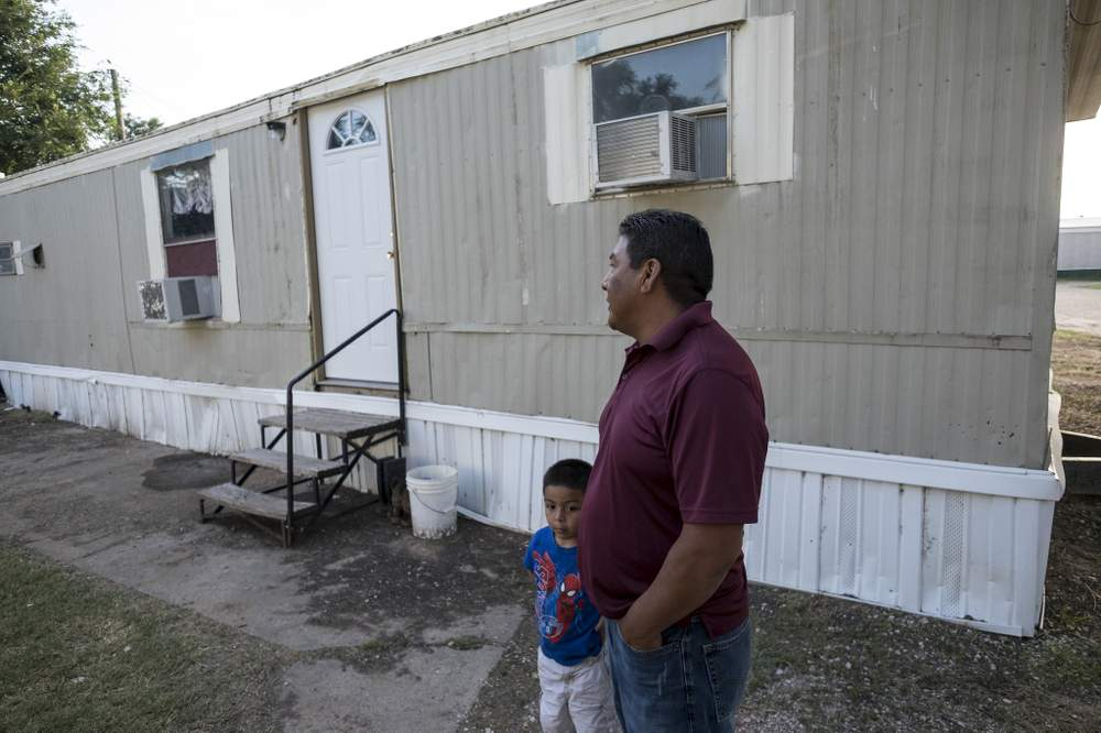 Inhabitable: Cómo Texas les falla a los trabajadores del campo